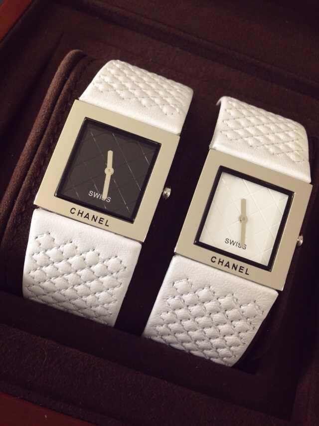 香奈儿 PREMIERE系列 最新款 表壳镶钻 瑞士石英 女士手表 / XNR013