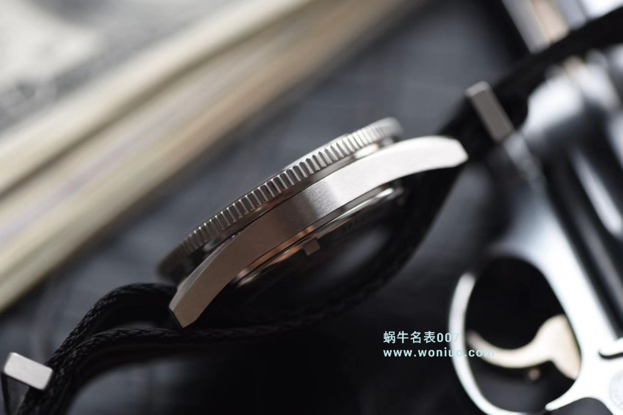 【VS厂一比一超A复刻高仿手表】欧米茄海马系列占士邦007特别版之幽灵党 233.32.41.21.01.001腕表 / M011