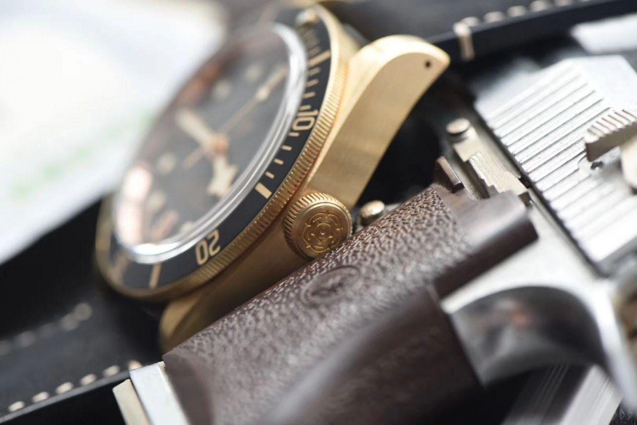 【视频评测什么是复刻手表价格】XF 新品首发贝克汉姆同款最新帝驼碧湾青铜型-小铜盾M79250BA-0001腕表 / FK03