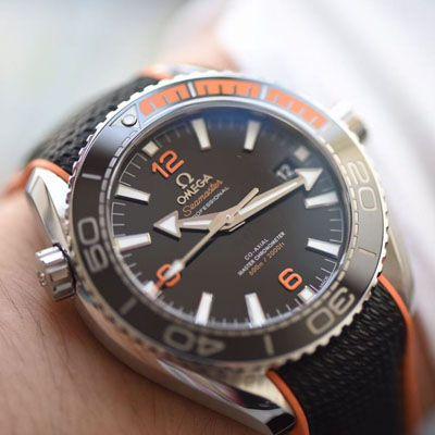 【视频评测vs厂复刻欧米茄手表】欧米茄海马系列215.32.44.21.01.001腕表VS四分之一橙终极版本价格报价