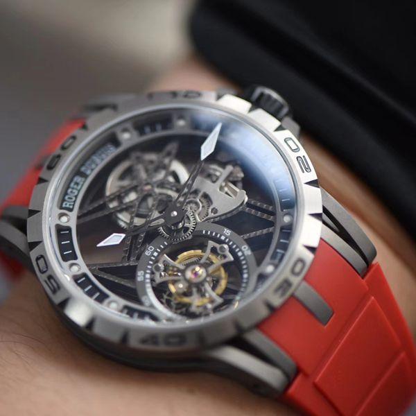 视频评测BBR厂官网顶级复刻陀飞轮罗杰杜彼Roger Dubuis王者系列RDDBEX0479红色表带腕表