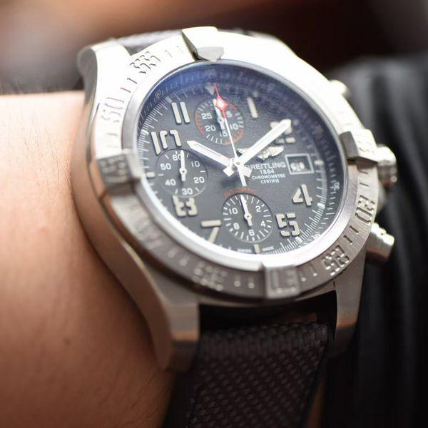 OXF厂超A精仿手表百年灵复仇者系列E13383101M2W1腕表价格报价