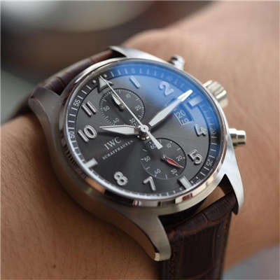 【独家视频测评一比一超A高仿手表】万国飞行员喷火战机计时腕表系列IW387808腕表价格报价