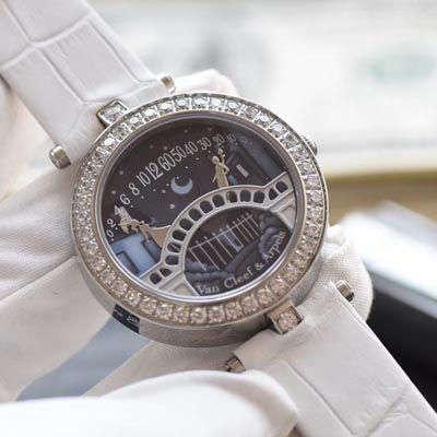 Van Cleef & Arpels梵克雅宝诗意复杂功能腕表系列VCARN9VI00腕表